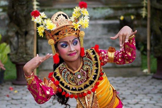 Children's Balinese Dance Lesson