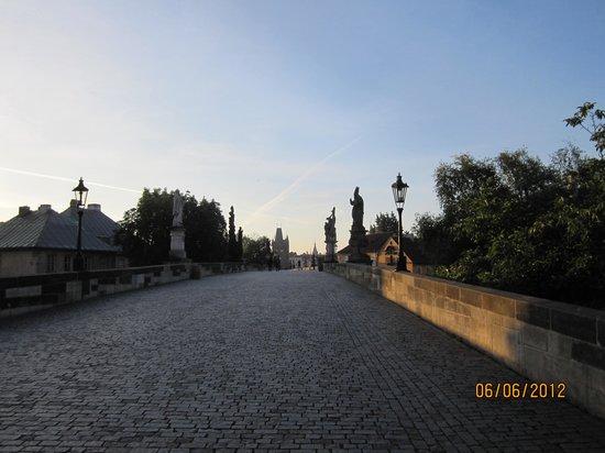 President Hotel Prague : Charles Bridge sunrise