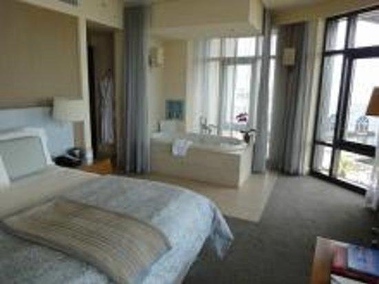 Hotel Vitale, a Joie de Vivre hotel: room