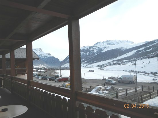 Hotel Galli: Looking over the valley