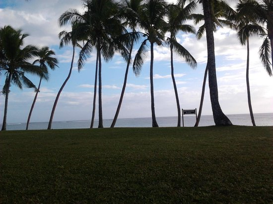 Shangri-La's Fijian Resort & Spa: Sunset from our courtyard