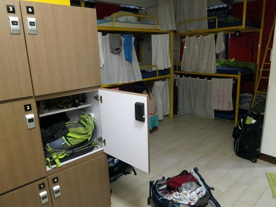 Yesinn Causeway Bay: 9 person female dorm