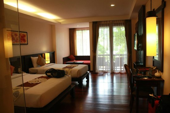 Ao Nang Phu Pi Maan Resort & Spa: Deluxe room which is pretty spacious, enough for three.