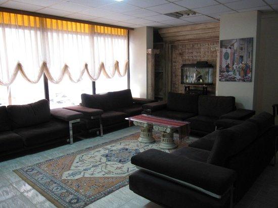 Artemis Hotel: 11