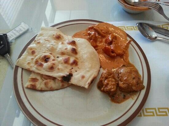 Priya Indian Cuisine: nan and chicken pasanda
