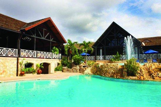 Labadi Beach Hotel Pool Side