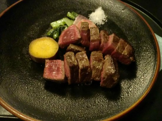 Yokohama Techno Tower Hotel: 150gのステーキ(夕食)