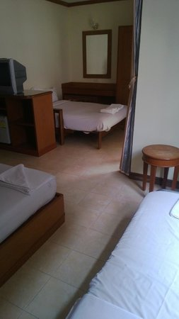 Siam Hotel: 3 beds in Family room. Up to 5 people can sleep here