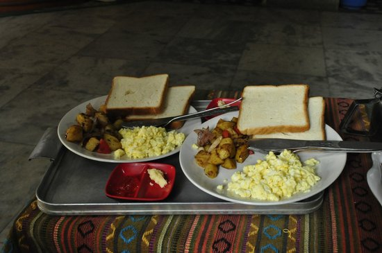 Kathmandu Friendly Home: breakfast. big servings :)