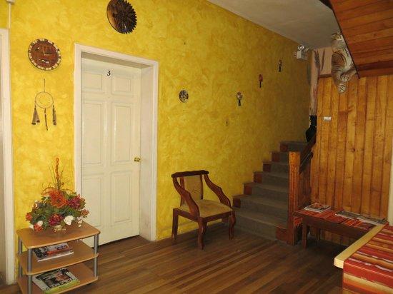Hotel Andino: Hallway and stairway to second floor