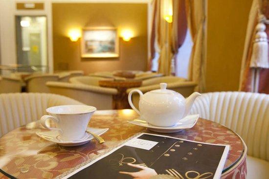 Grand Hotel Union: Aperitiv Bar