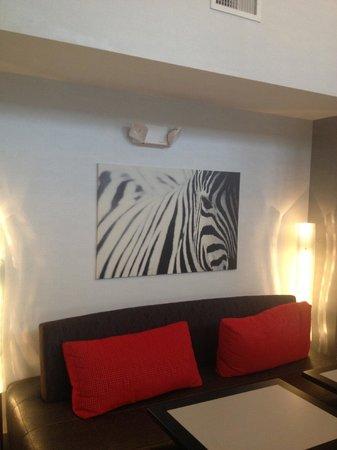 Hampton Inn & Suites Barstow: Lobby area for guest