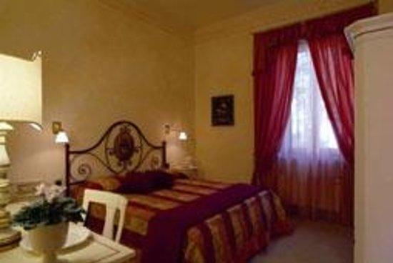 Villa Della Certosa : Camera appartamento