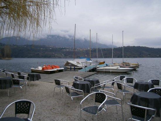 Hotel La Piroga: Il bar sulla spiaggia