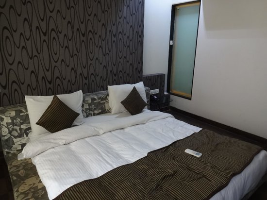 Nice Low Lying Bed Picture Of Hotel Sai Miracle Shirdi