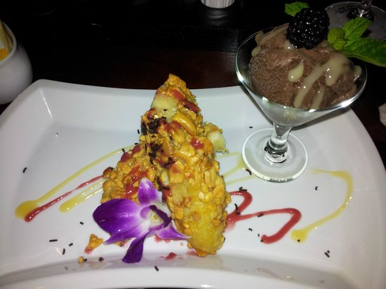 Fried Banana With Chocolate Ice Cream Beautiful Presentation