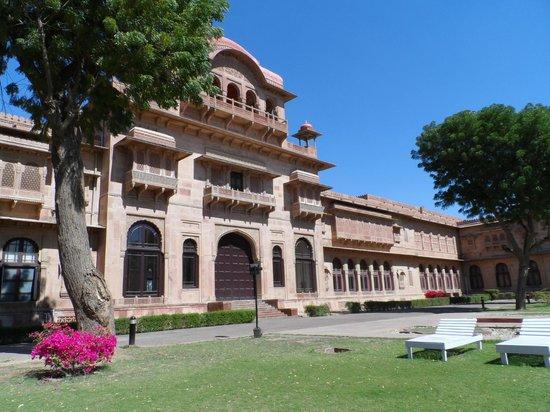 Lallgarh Palace: Exterior