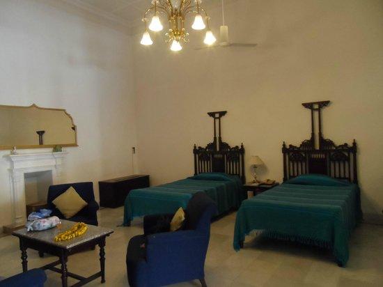 Lallgarh Palace: Saggy beds