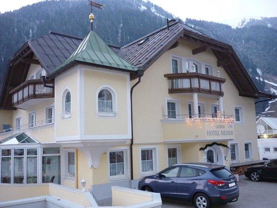 Hotel Garni Neder: Neder hotel exterior