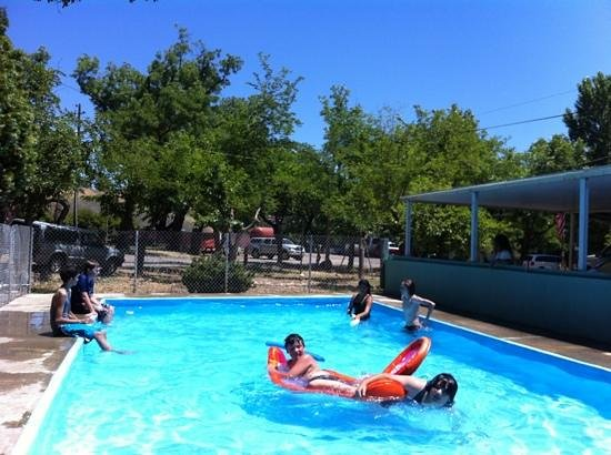 Shady Acres Campground : cool pool on a hot day