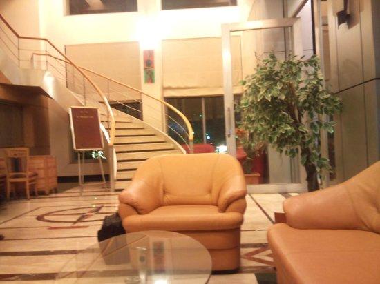 Ambassador Hotel : Lobby