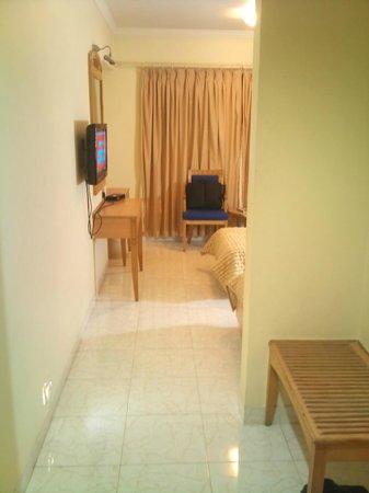 Ambassador Hotel : Room 2