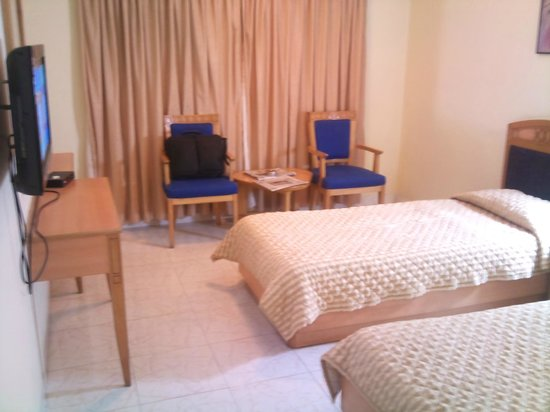 Ambassador Hotel : Room 1