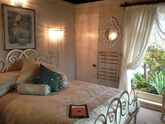Tivoli Homestay: This room has a beautiful garden view !