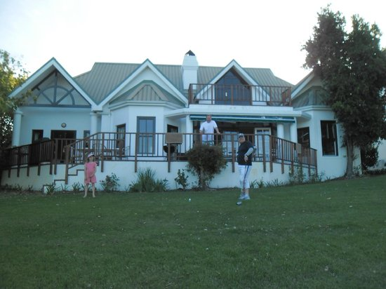 แฟนคอร์ท โฮเต็ล: View of the house in Fancourt where we stayed