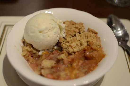 Emma's: Crumble of the day with Salcombe Ice cream