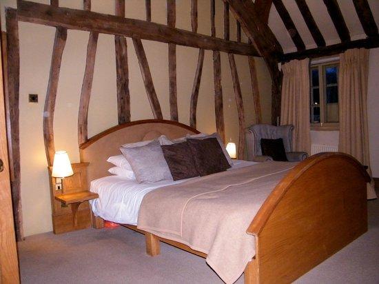 The Greyhound Inn: Deluxe Bedroom