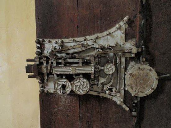 Biertan Fortified Church: The 19 locks system