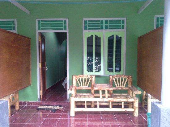 Green Orry Inn: Bedroom terrace