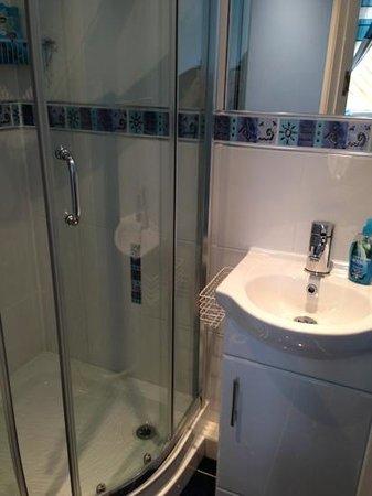 Jessimine B&B: Beautiful clean bathroom