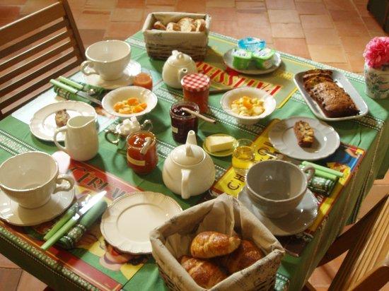 Le Logis des Roches d'Antan : Petit déjeuner maison