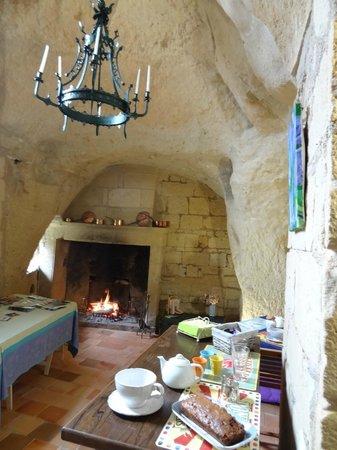 Le Logis des Roches d'Antan : Salle de petit déjeuner