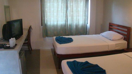 Khao Sok Green Valley Resort: Deluxe / Twin bed