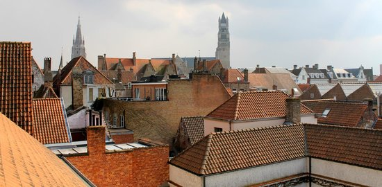 Hotel Prinsenhof Bruges: Rooftop view from room