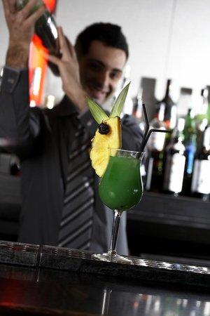 Agua Cafe & Bar