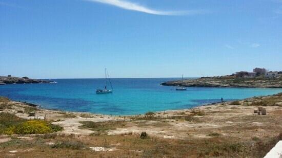 Hotel Alba D'Amore: Spiaggia delka Guitgia che dista 200m.