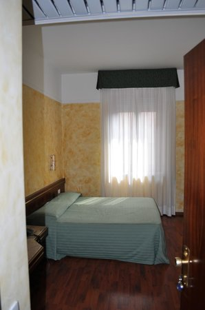 Florida Hotel: Room