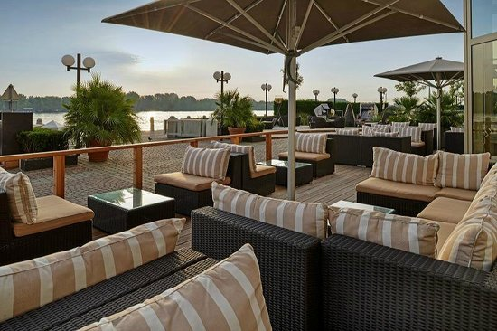 Waterfront Kitchen: Waterfront Terrace - Lounge Area