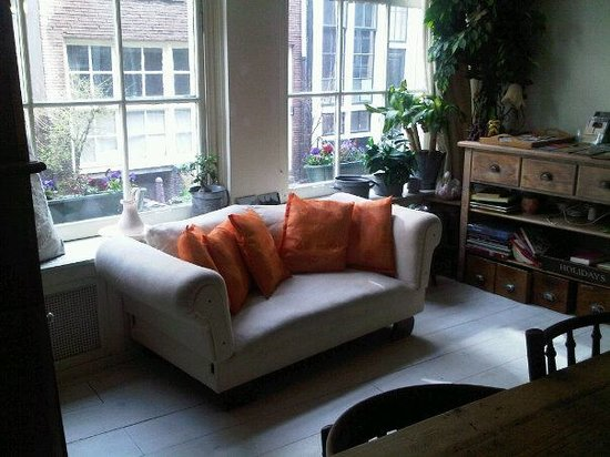 Amsterdam At Home: sitting room