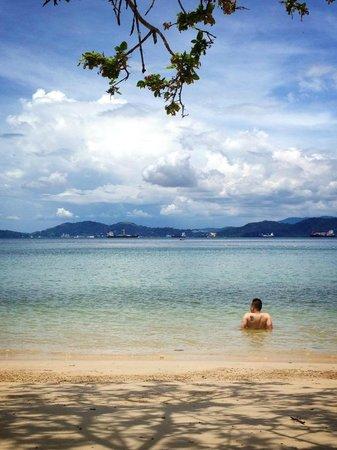 Gaya Island Resort: View of the sea from our picnic spot at Tavajun Bay