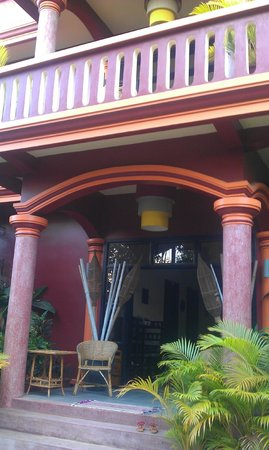 Bou Savy Guest House: New wing entry
