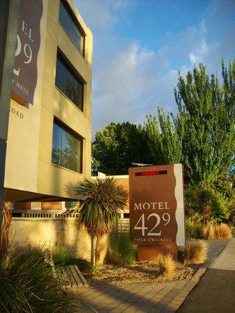Motel 429: Motel