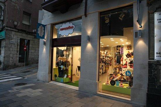 Jugueteria San Carlos: La fachada de Juguetería San Carlos