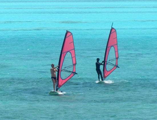 Royal Decameron Aquarium: Free watersports