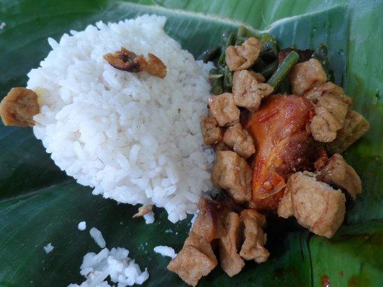 POP! Hotel Sangaji Yogyakarta: Breakfast - Nasi Ayam Rica Rica