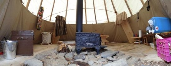 Chimo Refuges : inside the teepee